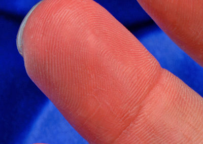 fingerprint-level-detail-finger-prosthesis